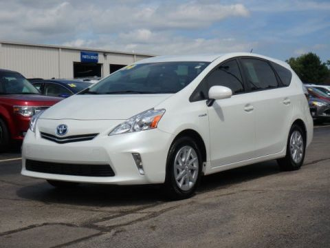 Pre-Owned 2014 Toyota Prius v  With Navigation